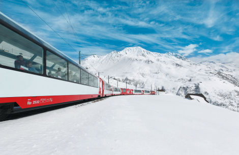 Glacier Express im Winter
